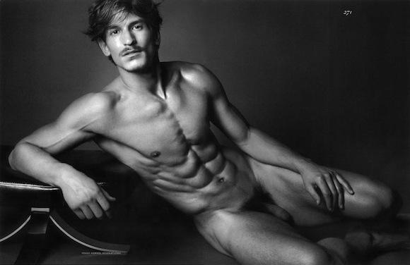 Голые фото модели мужчины